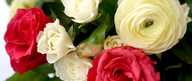 Сватбени пакети с два вида цветя