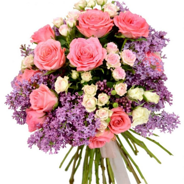 булчински укет от градински рози и люляк