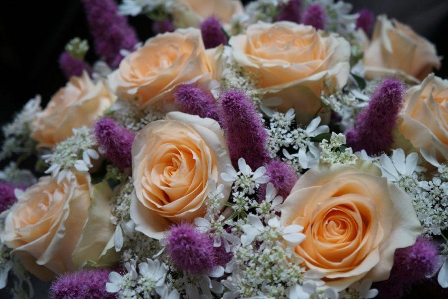 pastel-roses-bouquet-FlowersinSofia.com-016-e1545160388754