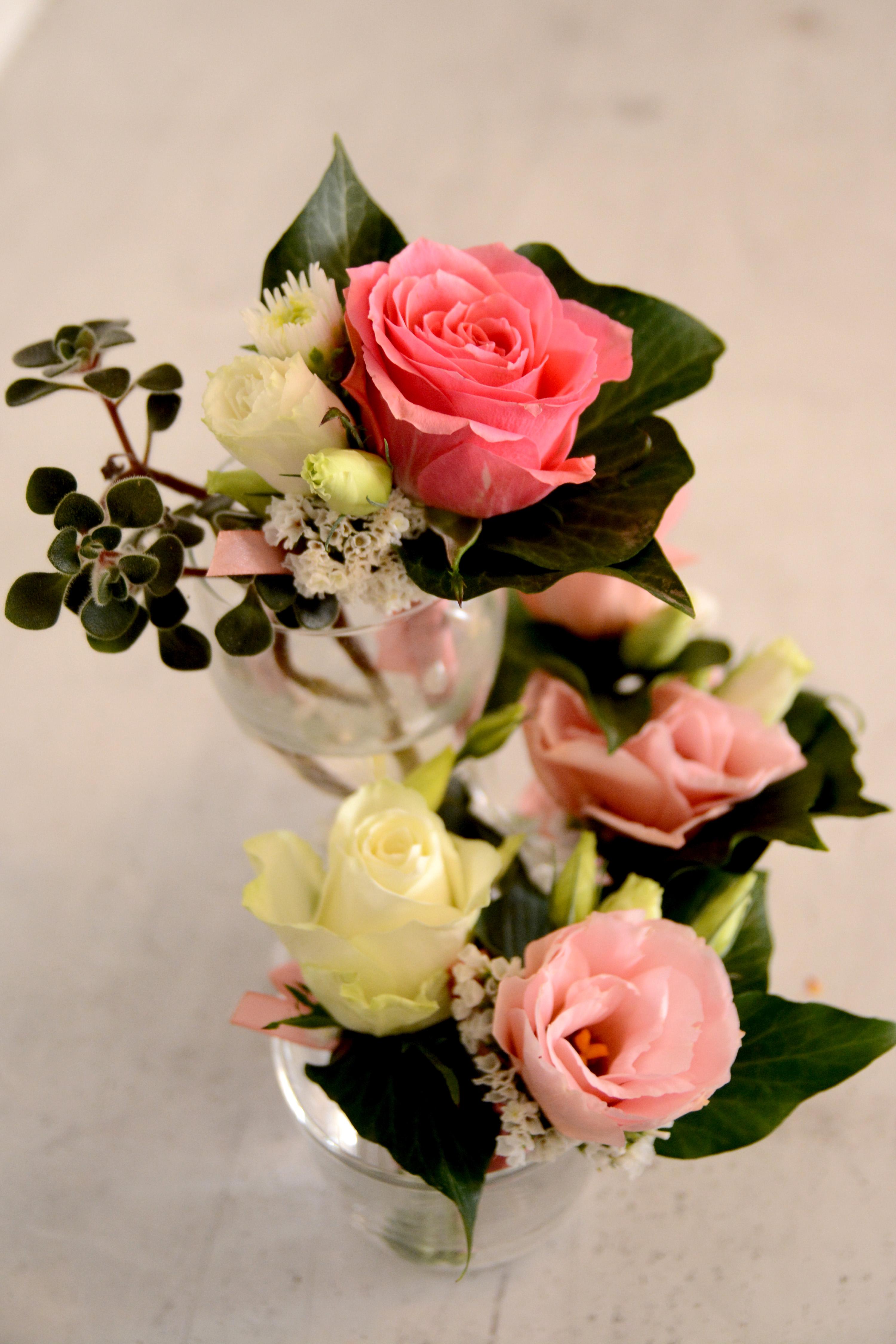 бутониери сватба рози