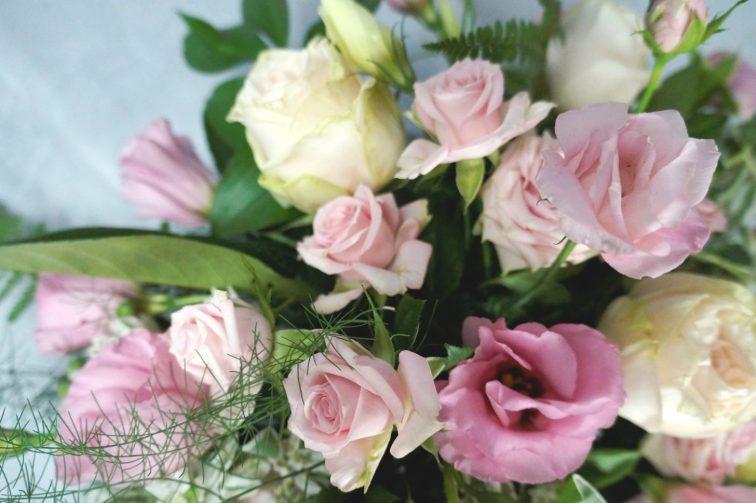 сватбена украса в кремаво и блъш