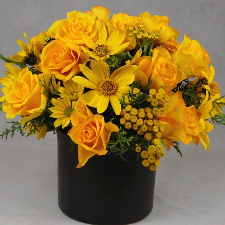 украса на маса в жълто