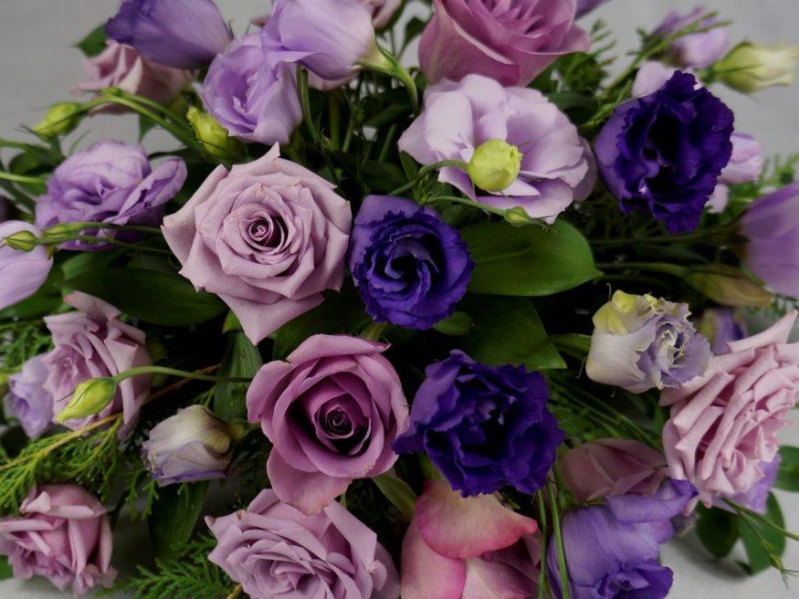 украса за сватба в лилаво