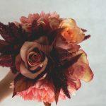 чалък букет за шаферки с далии и рози