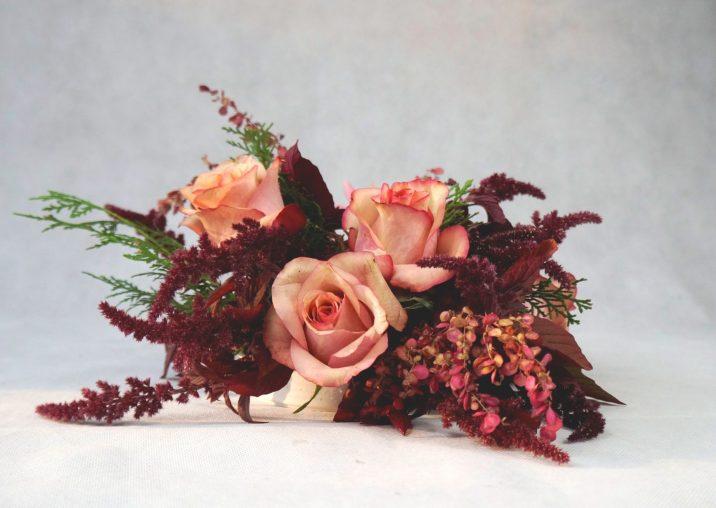 украса на коктейлна маса в есенни цветове